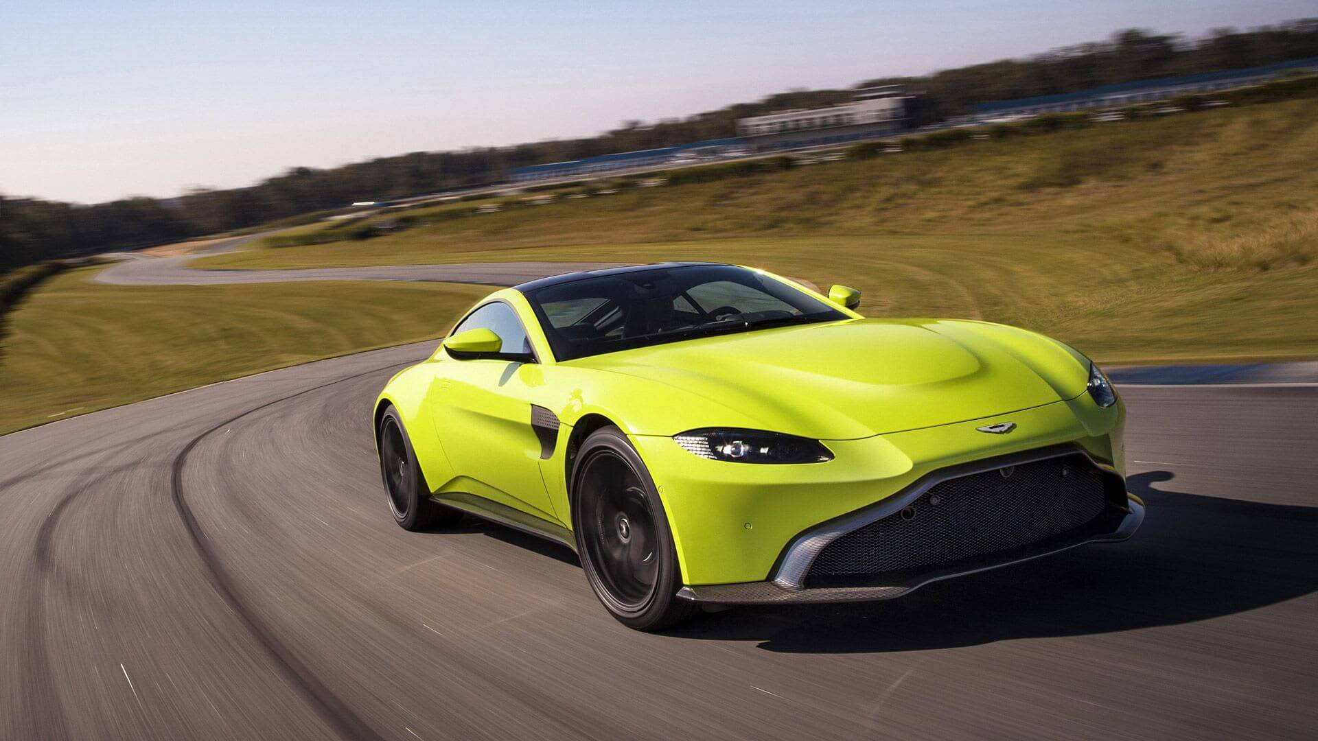Aston Martin Vantage2